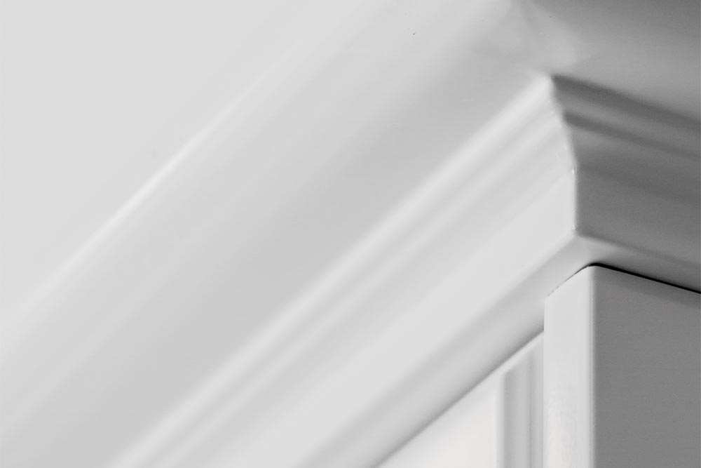 Mueble de cocina blanca con detalles de la linea Vita