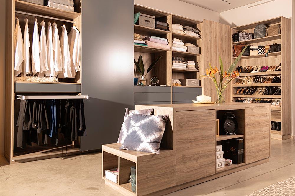 Cajón en mueble de categoría Battista